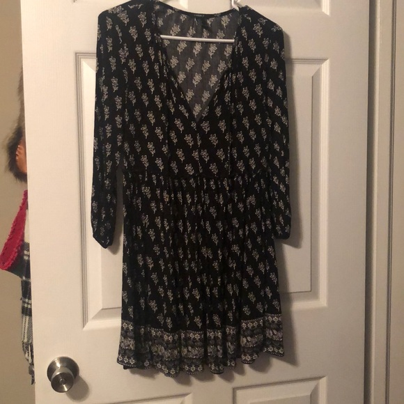 Forever 21 Dresses & Skirts - Black and white floral printed boho tunic/dress S